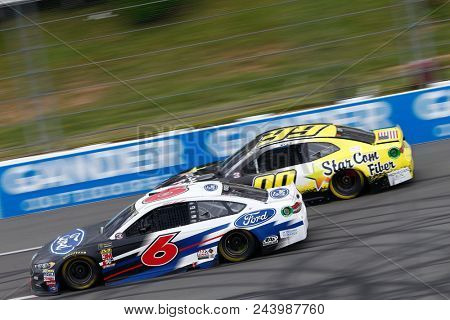 June 03, 2018 - Long Pond, Pennsylvania, USA: Matt Kenseth (6) battles for position during the Pocono 400 at Pocono Raceway in Long Pond, Pennsylvania.