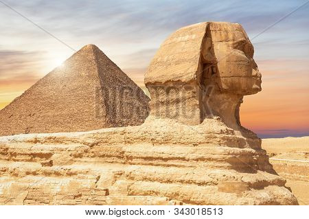 The Spinx Of Giza And The Pyramid Of Cheops, Cairo, Egypt