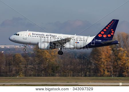 Budapest / Hungary - November 11, 2019: Brussels Airlines Airbus A319 Oo-sss Passenger Plane Arrival
