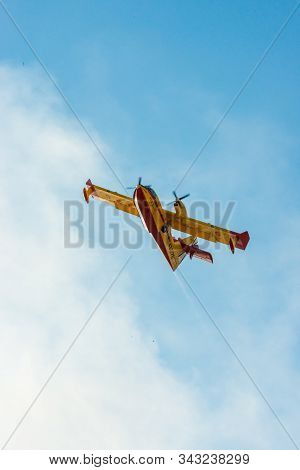 Caceres, Extremadura, Spain - 23, July 2016: Hydroplane Of The Spanish Army Flying Over A Fire Near