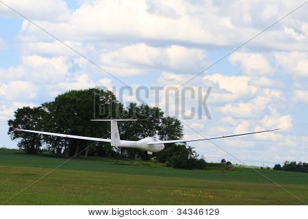 Next Contestant Glider Is Lifted In The Air