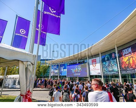 Cologne, North Rhine-westphalia, Germany - August 24, 2019 Queue At The North Entrance Of The Gamesc
