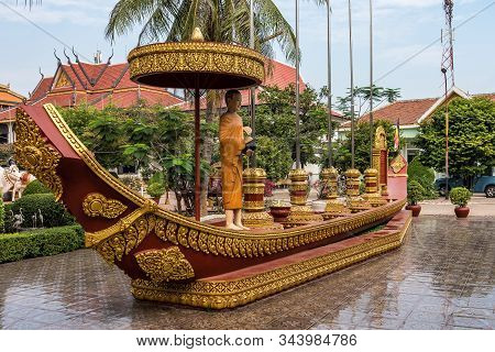 Siem Reap, Cambodia - Wat Preah Prom Rath. It Is Historical Buddhist Temple Complex With Colorful Pa