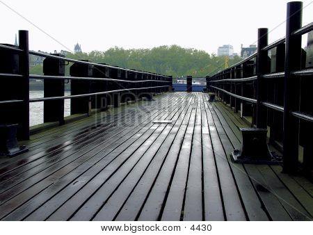 Thames Pier View