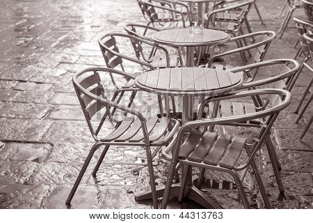 Cafe Chairs And Tables