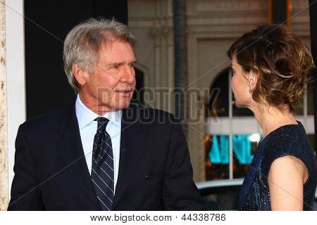 LOS ANGELES - APR 9: Harrison Ford, kommt Calista Flockhart bei der