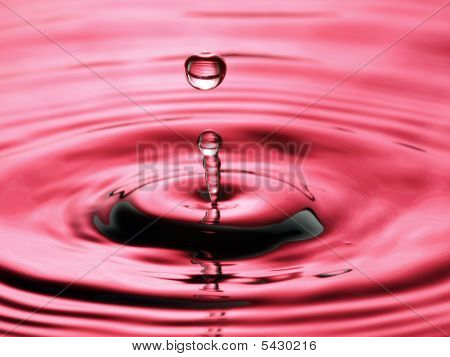 Water Droplet Ripple Pattern Pink Column