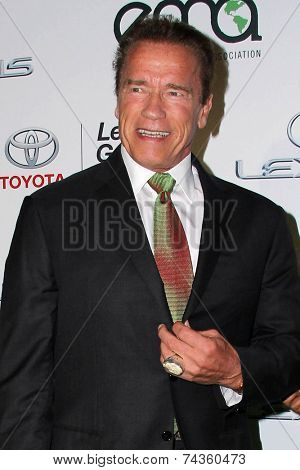 LOS ANGELES - OCT 18:  Arnold Schwarzenegger at the 2014 Environmental Media Awards at Warner Brothers Studios on October 18, 2014 in Burbank, CA