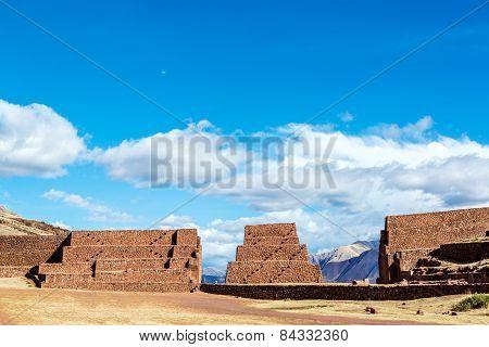Rumiqullqa Ruins