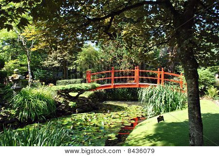 red bridge in the japanese gardens