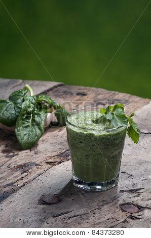 Detoxifying Green Drink