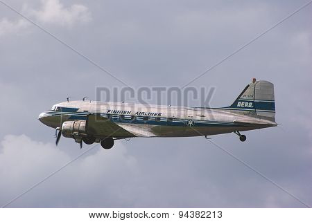 Homebound DC-3