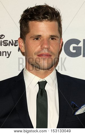 LOS ANGELES - OCT 21:  Charlie Carver at the 2016 GLSEN Respect Awards at Beverly Wilshire Hotel on October 21, 2016 in Beverly Hills, CA