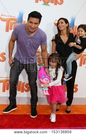 LOS ANGELES - OCT 23:  Mario Lopez, Gia Francesca Lopez, Courtney Laine Mazza, Dominic Lopez at the Trolls Premiere at Village Theater on October 23, 2016 in Westwood, CA