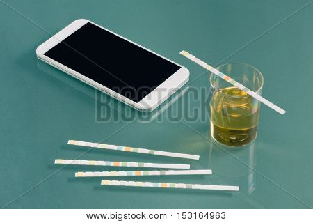 Urine testing kit with smart phone, color image