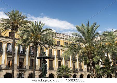 Barcelona (Catalunya Spain): Plaza Real (Placa Reial Royal Square) near the ramblas