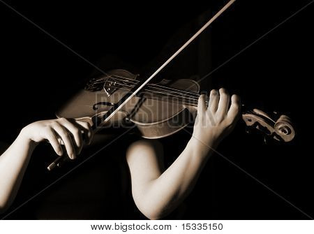 musician playing violin, sepia effect