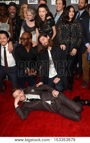 LOS ANGELES - OCT 23:  Chris Hardwick, Tom Payne, cast at the AMC's Special Edition of