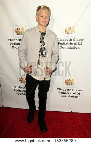 LOS ANGELES - OCT 23:  Carson Lueders at the Elizabeth Glaser Pediatric AIDS Foundation A Time For Heroes Event at Smashbox Studios on October 23, 2016 in Culver City, CA
