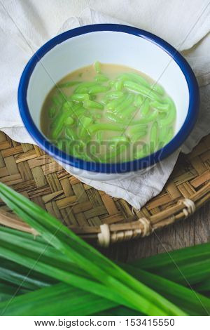 Lod Chong, Thai Dessert Thai Cuisine Rice Noodles Made of Rice Eaten with Coconut Cream