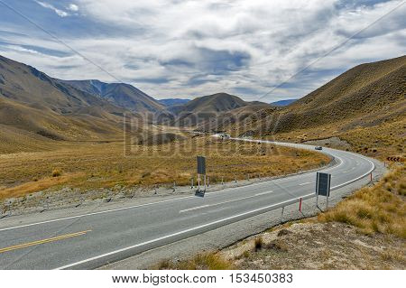 Scenic Lookout Of Lindis Pass On State Highway 8 (tarras - Omarama - Lindis Pass Road), Lies Between
