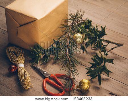 make Christmas gift box, handmade, craft, rustic style.