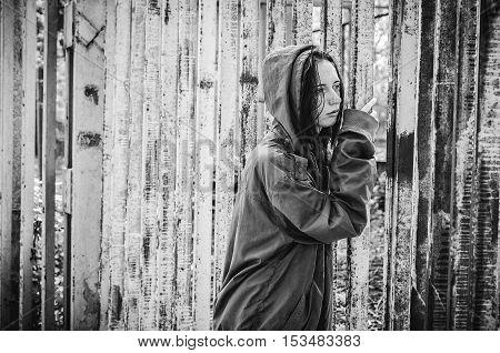 Homeless Beggar Stilzhizni, Health, Social Kontsept- Tired, Miserable Homeless Hungry Man Standing A
