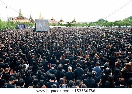 BANGKOK, THAILAND - OCTOBER 22,2016 : Thai people come for singing the anthem of His Majesty King Bhumibol at Sanam Luang in front of the Royal Palace to pay respect for the king in Bangkok capital city,Thailand.