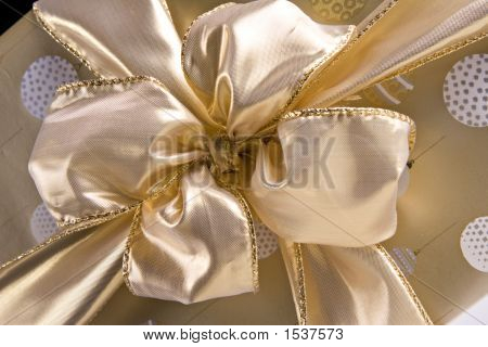 Golden Bow 7275