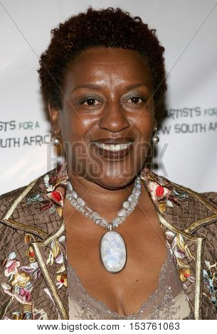 CCH Pounder at the Archbishop Desmond Tutu's 75th Birthday Party held at the Regent Beverly Wilshire Hotel in Beverly Hills, USA on September 18, 2006.