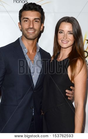 LOS ANGELES - OCT 25:  Justin Baldoni, Emily Foxler at the Hollywood Walk of Fame Honors at Taglyan Complex on October 25, 2016 in Los Angeles, CA