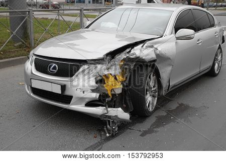 November 28 2016 St. Petersburg Russia accident Lexus crash due to insufficient distance