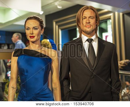 London, the UK - May 2016: Angelina Jolie and Brad Pitt wax figure in Madame  Tussauds museum