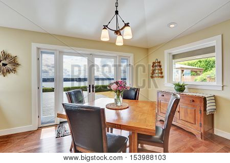 Bright And Spacious Dining Area With Perfect Window View