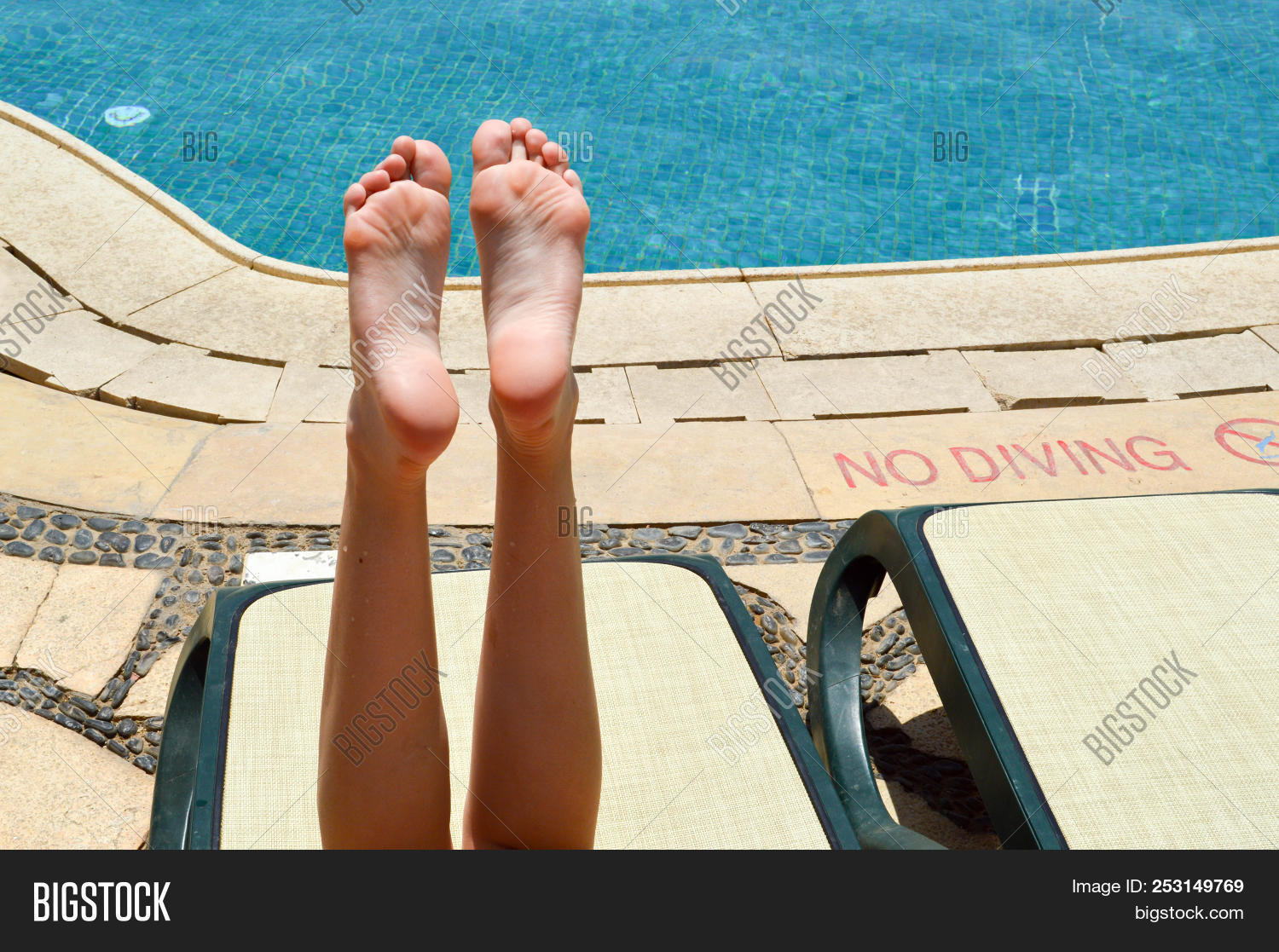 Final, sorry, Women with beautiful legs and feet matchless message