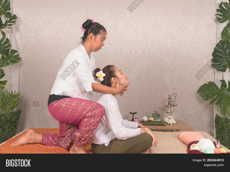 Girl massage thai Teenage Thai