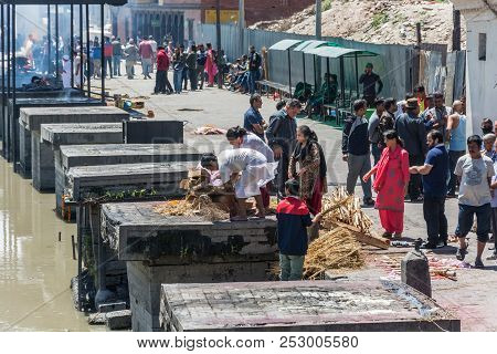 Cremation Of Bodies On The Banks Of The Bagmati River In The Pashupatinath Temple 13 April 2018, Kat
