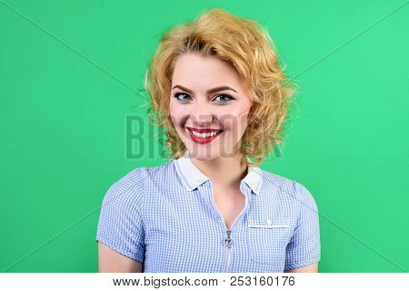 Pin Up. Woman With Bright Makeup. Retro Style. Portrait Of Smiling Pin Up Woman. Pin-up Clothes. Por