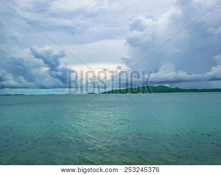 Idyllic Ocean And Cloudy Sky In Vacation Time,summer Concept