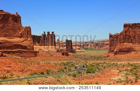 Arches national park scenic by way