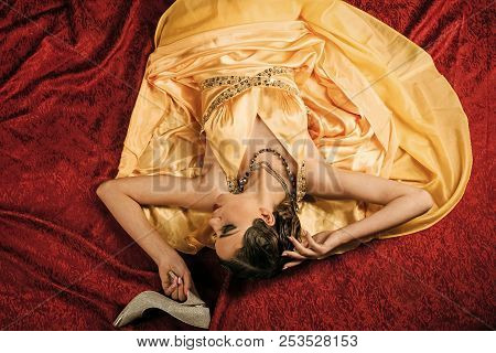 Pin Up Pretty Fashion Model. Girl In Fashionable Dress On Red Blanket At Shoes. Woman With Stylish R
