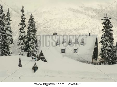 Snow Lodge