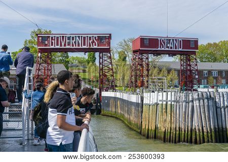 New York, Usa - May 12, 2018: Tourists Visiting The Governors Island In New York City. It Is A Popul