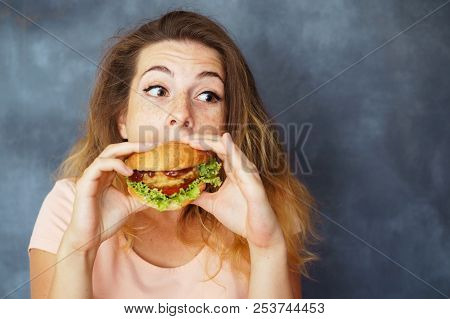 Mindless Eating, Fast Food, Unhealthy Eating, Overeating, Self-control, Hunger, Nutrition Concept. Y