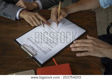 Make An Agreement, Make A Contract, Sign Agreement,