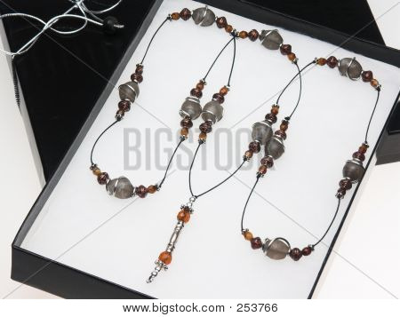 Gift-boxed Beaded Necklace