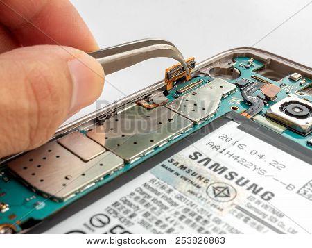 Chiangrai, Thailand: September 09, 2017 - Close-up Image Of Inside Disassembled Broken Samsung S7 Ed