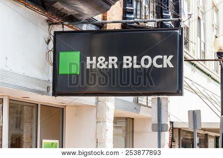 Hartford City - Circa August 2018: H&r Block Retail Tax Preparation Location. H&r Block Offers Milit