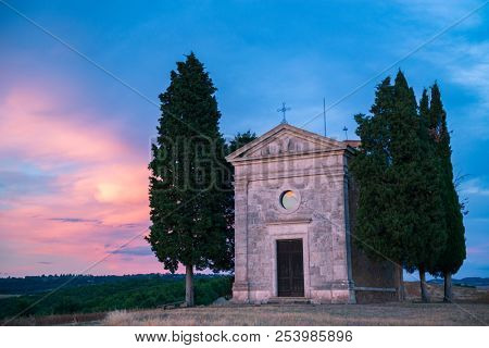 Capella Vitaleta, val D'Orcia, Tuscuny, Italy, 16 of July 2017. Tuscany holidays. Italy holidays tuscany. Summer landscape in Tuscany, Italy, Europe. Vacation in beautiful Italy.