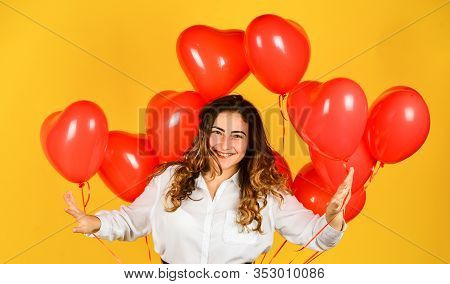 Girl Heart Balloons. Gift For Girlfriend. Festive Mood. Happy Woman Air Balloons Bunch Gift. Surpris